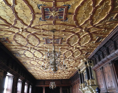 Hatfield House, The Crown tour